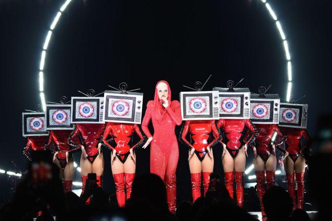 "Katy Perry pedirá ""Justiça para Marielle"" durante show no Rio https://t.co/NIaaFYZDsS"