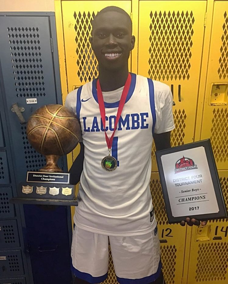 Excited to welcome 6'6 2019 Manyang Tong of @GenesisBBall to our Northern Kings Family!! This kid can FLY!! Going to burst onto the scene this spring! Check out his highlights: https://t.co/n4IQpMLhwa