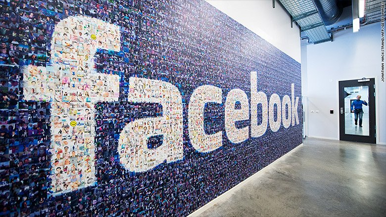 JUST IN: Facebook is looking into ties between one of its current employees and Cambridge Analytica, the controversial data firm that worked for Trump's presidential campaign and was suspended by the social media company Friday https://t.co/Fi57Tsa4Ph