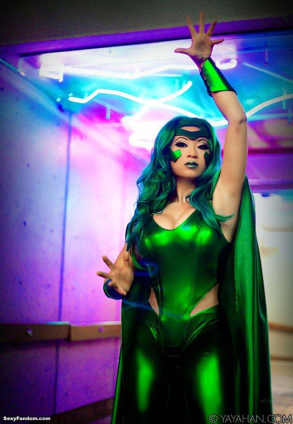 Sexy Fandom: Magnetic Green https://t.co/4jca9ZQEMQ...