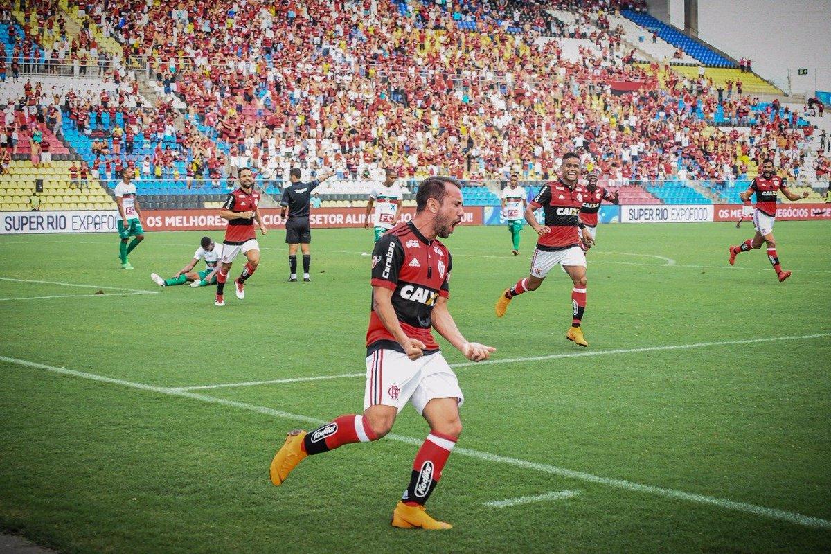 Everton Ribeiro comandou o meio-campo rubro-negro na partida de hoje e foi coroado com um belo gol! #AvanteMengão  📸 Staff Images / Flamengo
