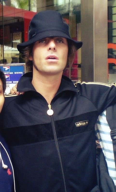 Various pictures of Liam Gallagher wearing various bucket hats over the  years.pic.twitter.com TzGsV484kS 371220b2d8b
