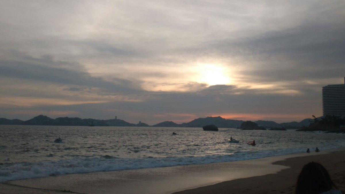 Pasando lista !! Enamorados de #Acapulco...
