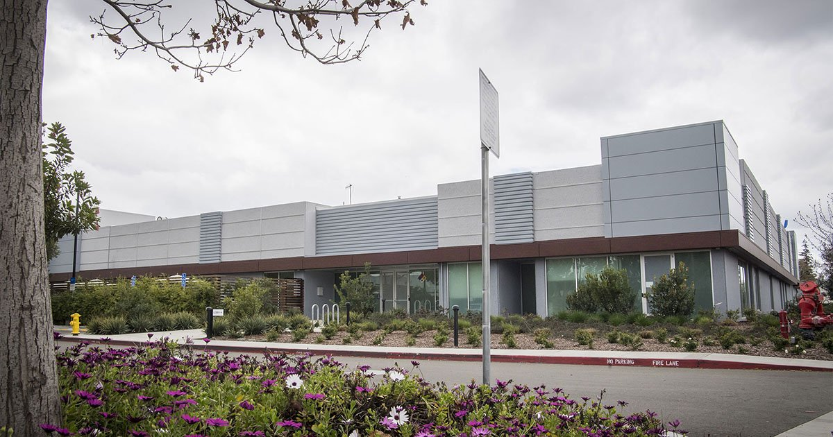 Apple has secret Santa Clara, Calfornia development and manufacturing facility to develop and build MicroLED screens to replace OLEDhttps://t.co/gmY9Kot6ODhttps://t.co/WSqPpr3D7s.