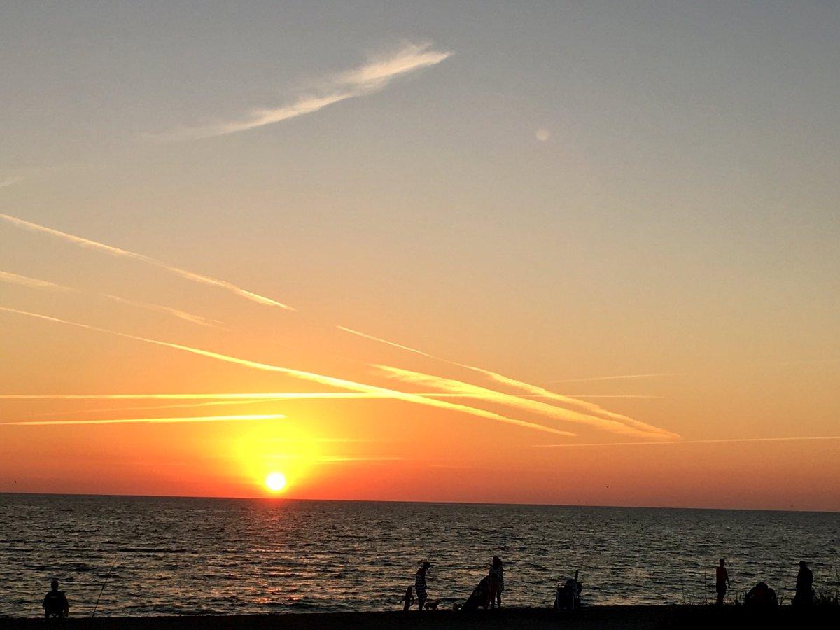 Sky on fire at #sunset. Beautiful evenin...