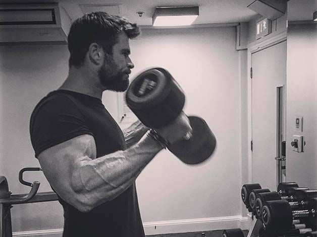 Watch the workout Chris Hemsworth used to build god-like arms https://t.co/mLA3smwP4Q