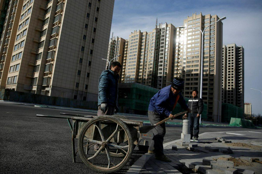 China's new home price growth slows as big cities decline https://t.co/CEhL1S5nr7 https://t.co/op5B4Qf0sQ