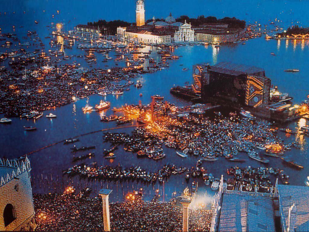 Pink Floyd in Venice https://t.co/LGSPgB...