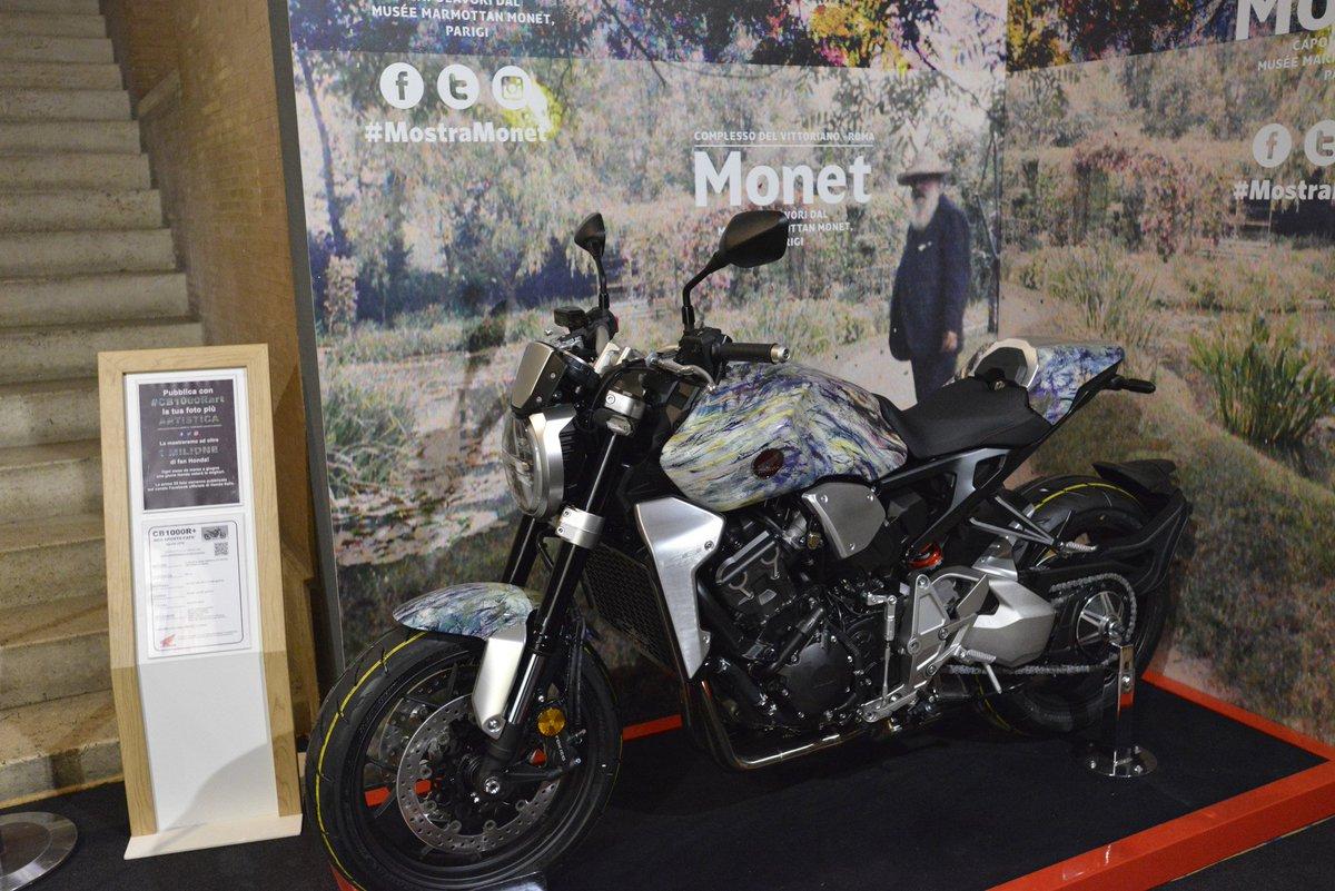 #moto #motori #arte #cultura #monet #Museo #Honda #quadri #esposizione #complessodelvittoriano #Roma Una CB1000R Honda al Museo accanto ai capolavori di Monet  - Ukustom