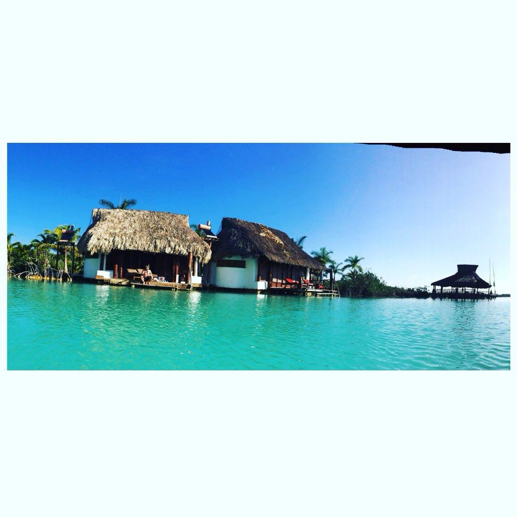 #mexico #villa #home #water #lakebacalar #lakeofsevencolours #hut #breathtaking #water #lake https://t.co/hww4xnavsb