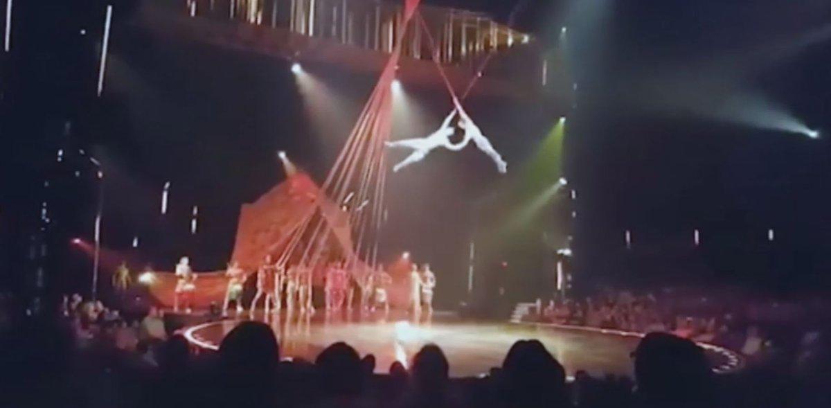 Muero un acróbata del Circo del Sol tras caer desde una altura de cuatro metros https://t.co/lzJYCeiNkH