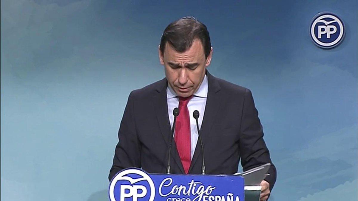 .@martinezmaillo presenta las cuatro mesas sectoriales durante el la Convención Nacional - Empleo y pensiones con @pablocasado_ - Seguridad y libertad con @PP_JavierArenas - Solidaridad e igualdad con @JavierMaroto - España un gran país con @ALevySoler