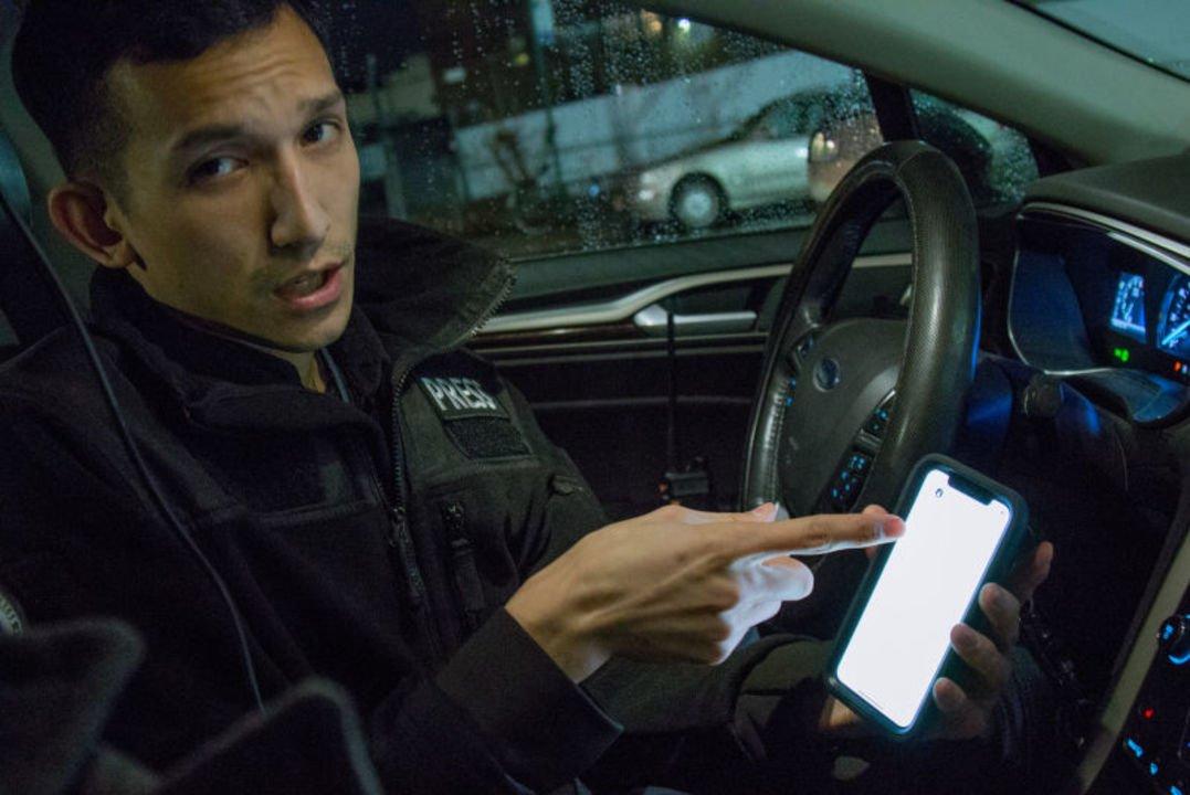 Uber運転手の夜の顔:犯罪・事故現場を激写する「スティンガー」に密着 #ニュース #人物 https://t.co/7CKn9g8qYv