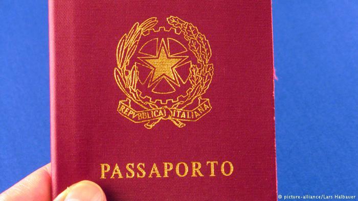 A indústria do passaporte italiano: como redes de corrupção facilitam a obtenção da cidadania - e colocam o processo de milhares de brasileiros em risco. https://t.co/gK0sU8SQMs