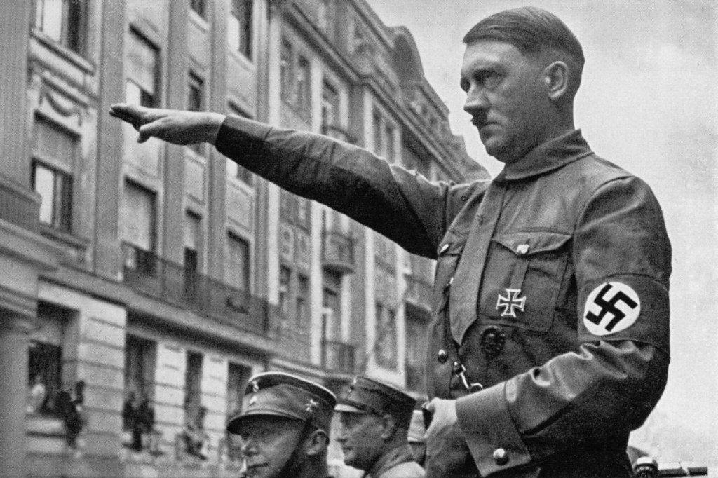«هتلر» يؤجج التوتر بين السعودية و«حزبال...