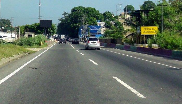 Carabobo: Despejada la autopista Valenci...
