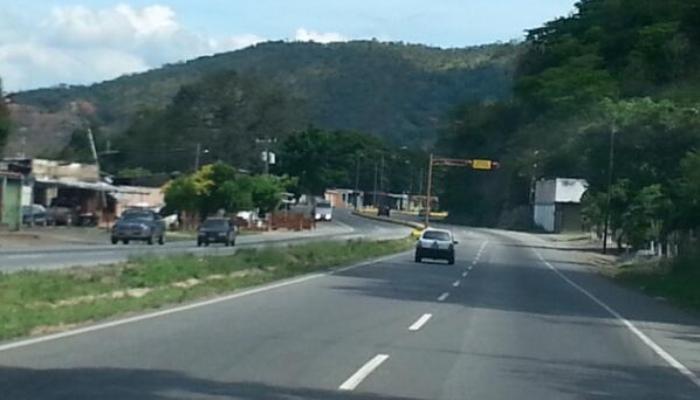 Aragua: Despejada la vía Cagua - Villa d...