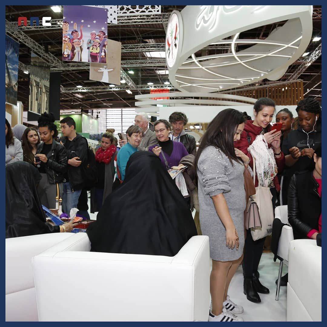 Nnc Pr On Twitter Sharjah Breaks New Cultural Barriers As It Educates French Visitors On Emirati Traditional Garments And Henna Designs Sharjah In Paris Sharjah Uae Culture France Https T Co Zjyoi8qcts