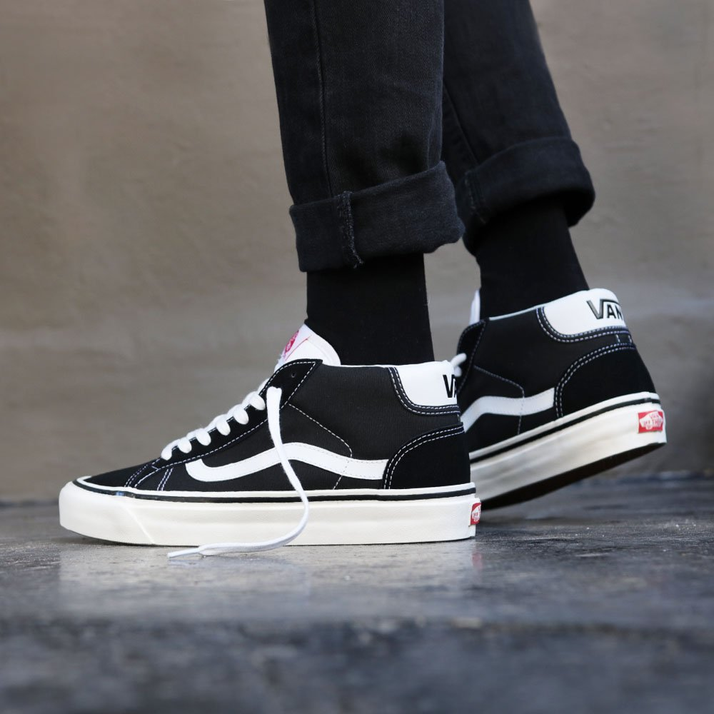 9d176463b304e1 Vans Mid Skool 37 DX (Anaheim Factory) - Black White Shop now   http   bit.ly 2DBXaJf pic.twitter.com 1E0ti2my5F