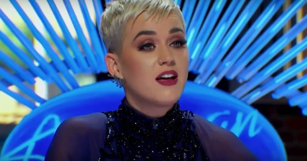 "No ""American Idol"", um candidato resolveu pedir desculpas a Katy Perry por amar Taylor Swift: https://t.co/Dambk7lxWv"