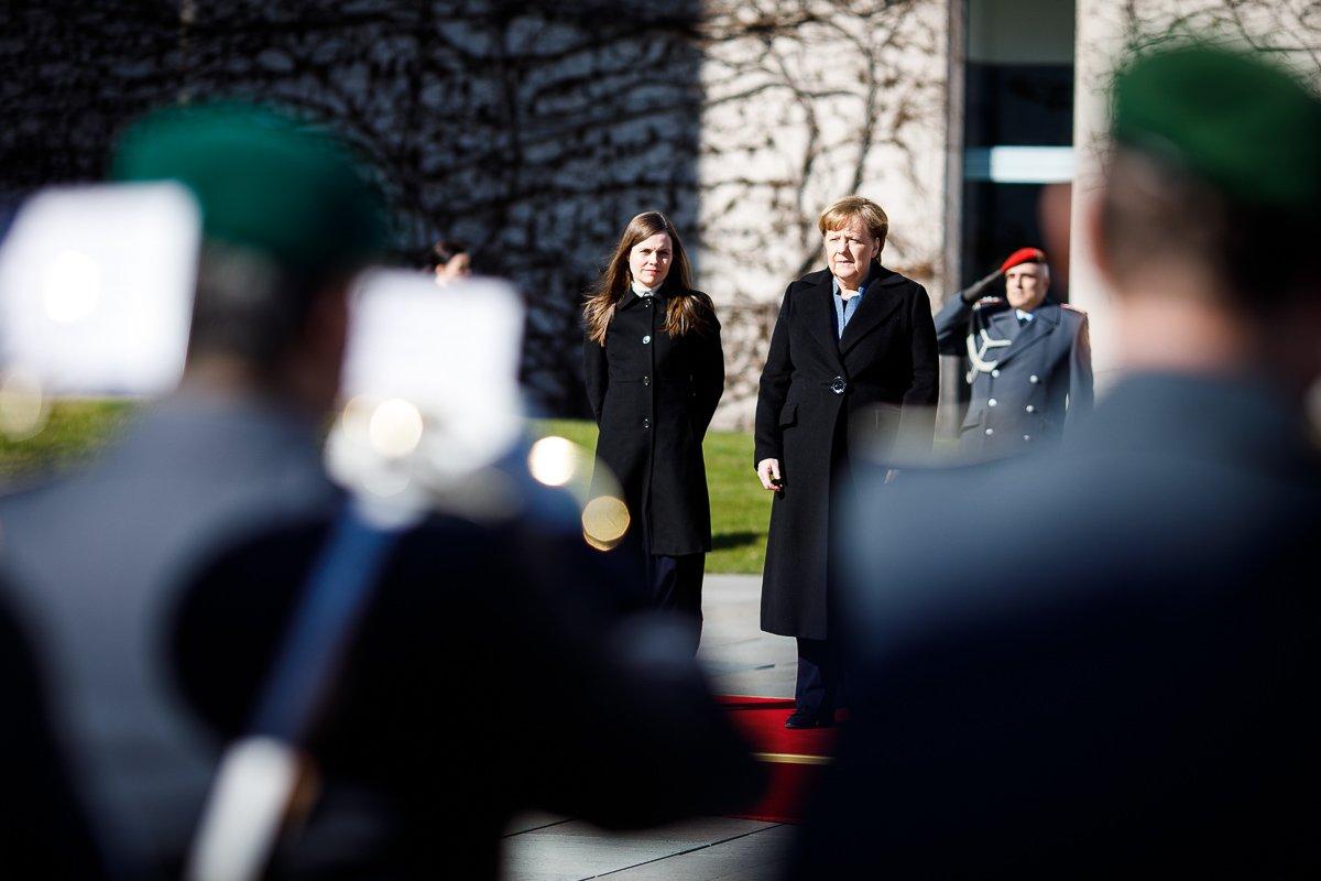 Kanzlerin #Merkel begrüßt die isländische Premierministerin Katrín Jakobsdóttir: Die Beziehungen unserer Länder stehen nicht jeden Tag im Rampenlicht, sind aber sehr freundschaftlich – intensiver Austausch gerade bei Handel, Kultur und Tourismus. @katrinjak #Island