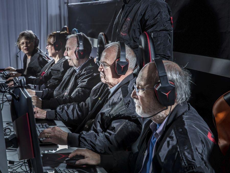 あふれる歴戦の兵感wスウェーデンにはお年寄りだけで構成されたFPSチームがある!