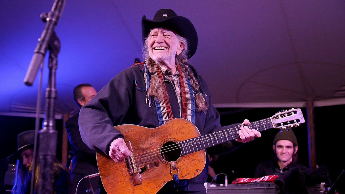 Fans lucked out at @willienelson's Luck Reunion. See photos from the 2018 event at @sxsw >  https://t.co/qsABQmKE5E#SXSW