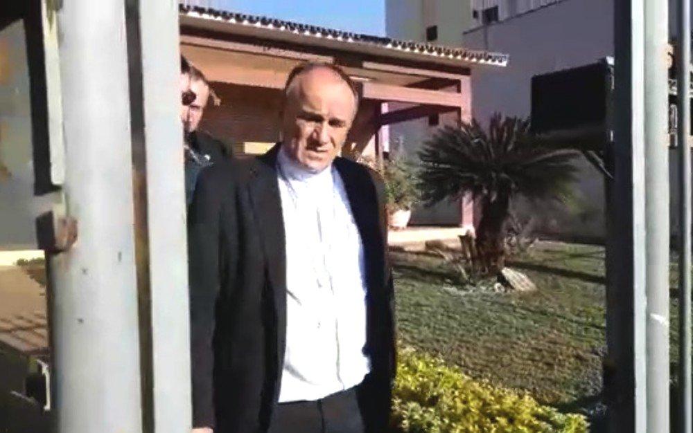 Bispo e padres compraram fazenda de gado e lotérica com dinheiro desviado do dízimo em Goiás, apontam escutas telefônicas https://t.co/jAEkVhQEo1 #G1