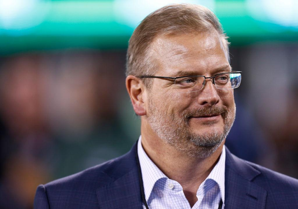 Bills, Jets take very different approach...