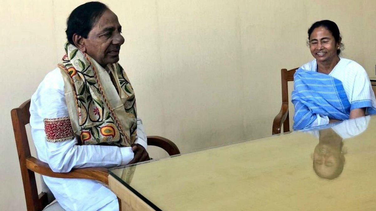 Anti-BJP front minus Congress? Mamata Banerjee, KCR differ on 2019 path https://t.co/I1jyXkFaH4
