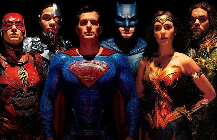 #InsideWarner| Justice League : ¡Zack Snyder tenía pensada una conexión con Batman vs Superman! Te contamos de qué se trataba 👉bit.ly/2Gcqwnb 😮