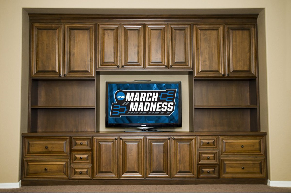 Classy Closets On Twitter Who S Watching Marchmadness