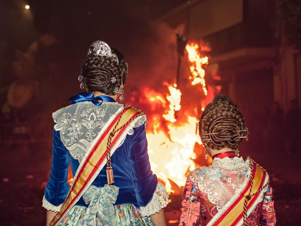 Felicidades a todos los valencianos por la celebración de un día tan especial para vosotros de las #Fallas18. Que disfrutéis de una entrañable #Cremà18. MR #Falles18