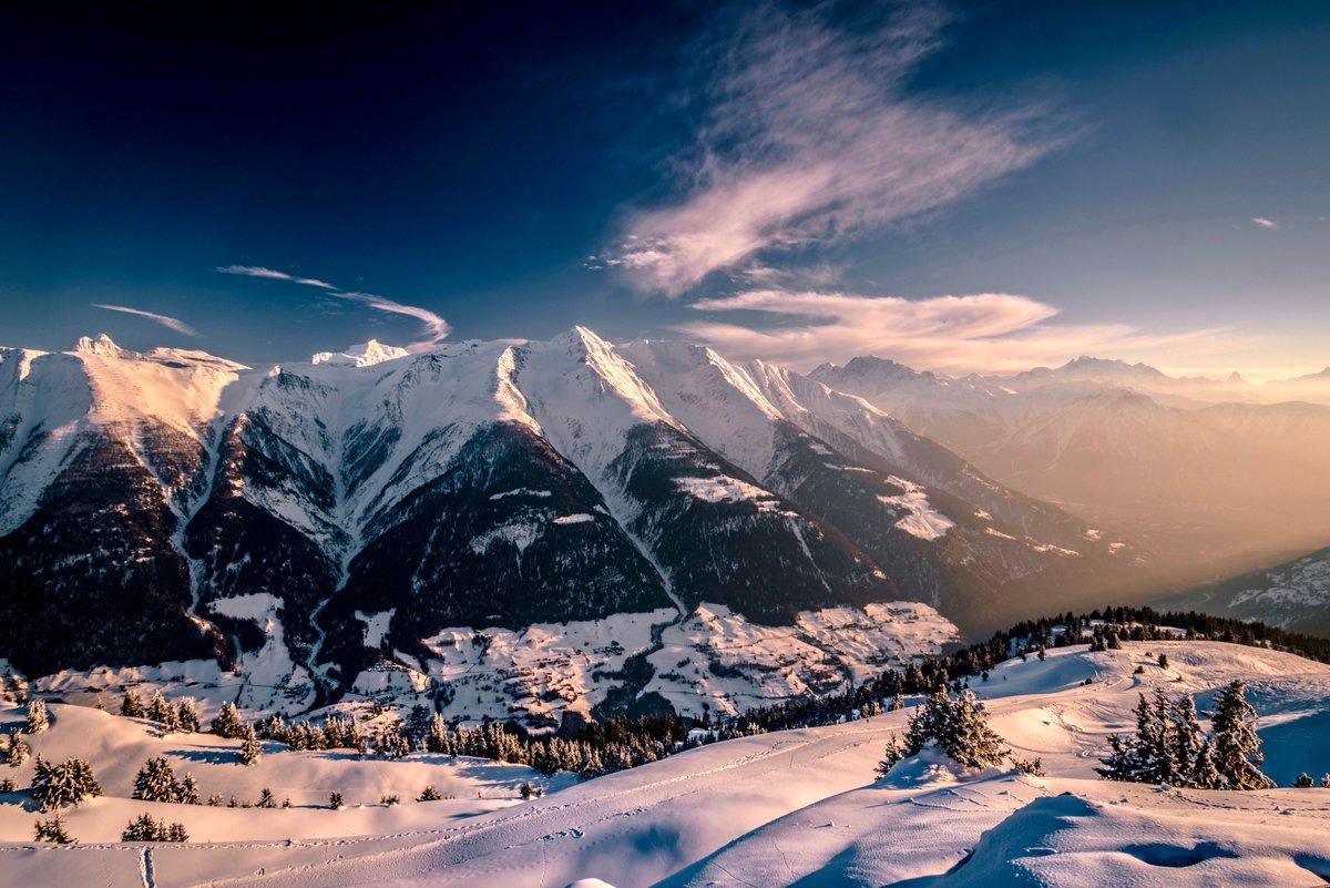 Fiesch, Switzerland https://t.co/cveBam2...