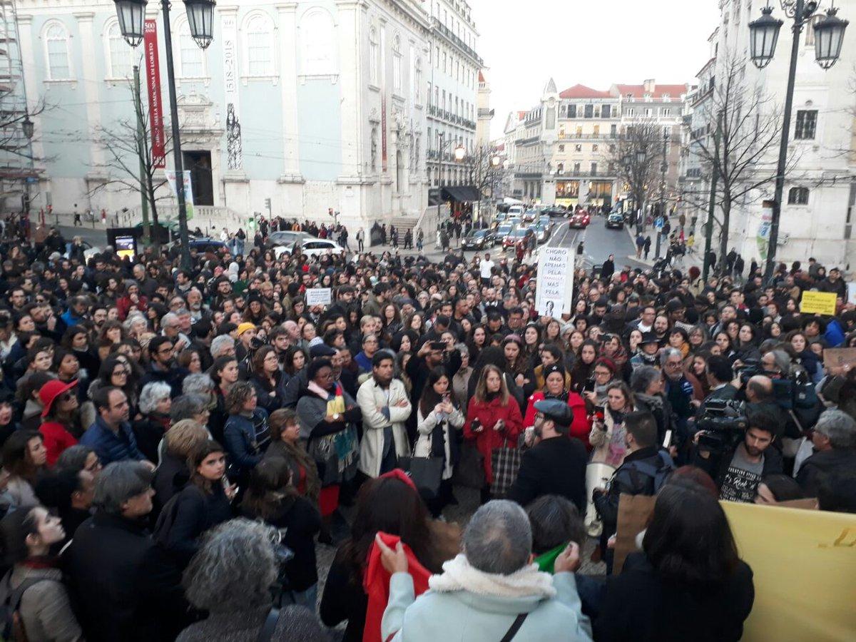 Evento que ocorreu hoje em Lisboa em homenagem a Marielle Franco é para protestar contra o que ocorre hoje no Brasil. O evento foi às 18h49 de lá (15h30 daqui).