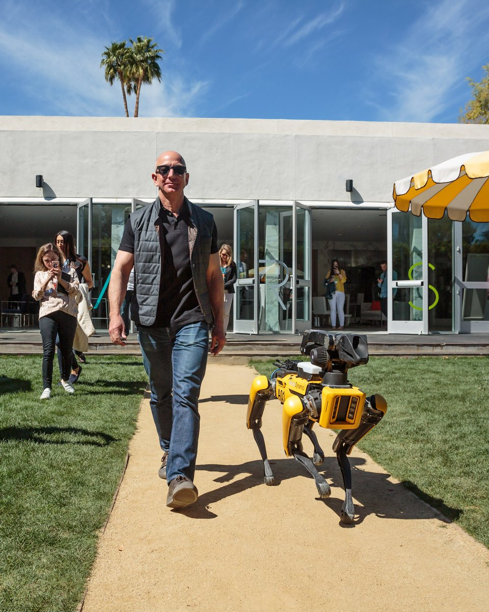 Taking my new dog for a walk at the #MARS2018 conference. #BostonDynamics