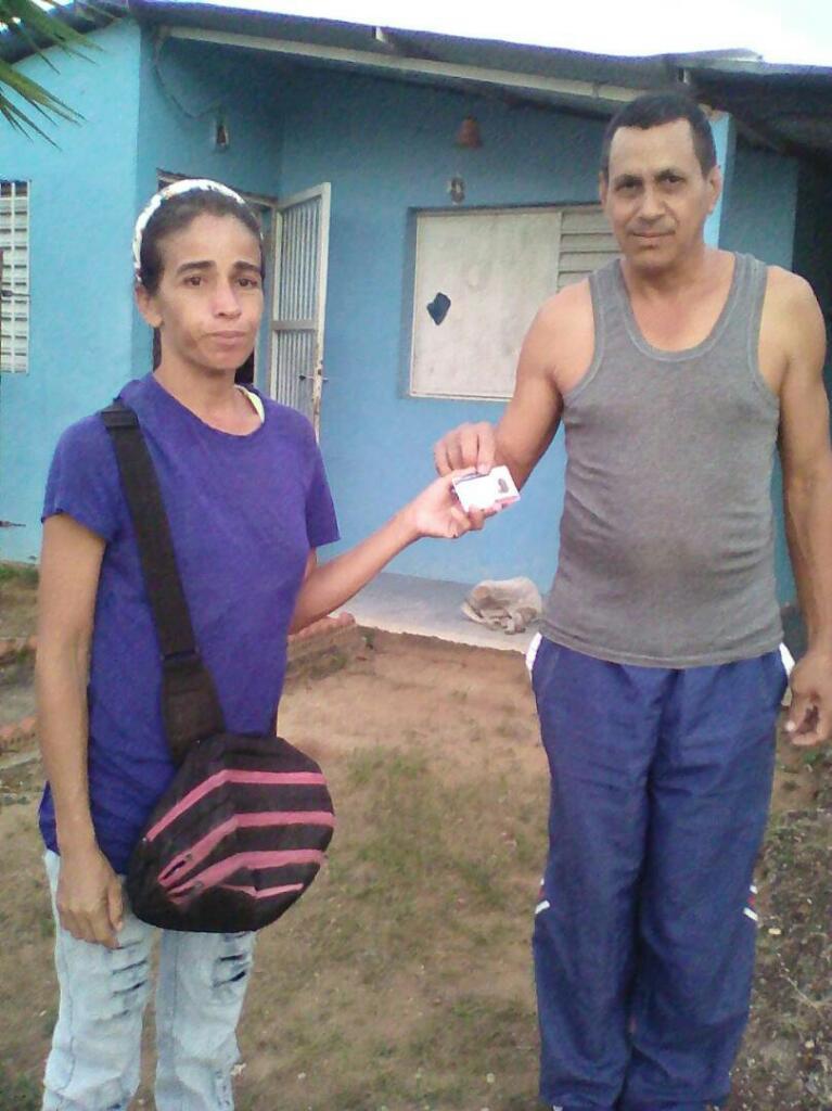 MSVELCOROZO visita casa a casa sector kuway ��❤ activo @MariaVallenil15 @yelitzePSUV_ @NicolasMaduro #juntosSomosMas https://t.co/VCMKhhrkYe