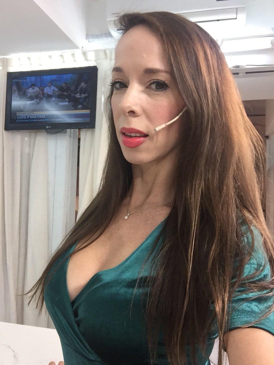 Victoria Onetto on Twitter: Ya estoy en el piso de