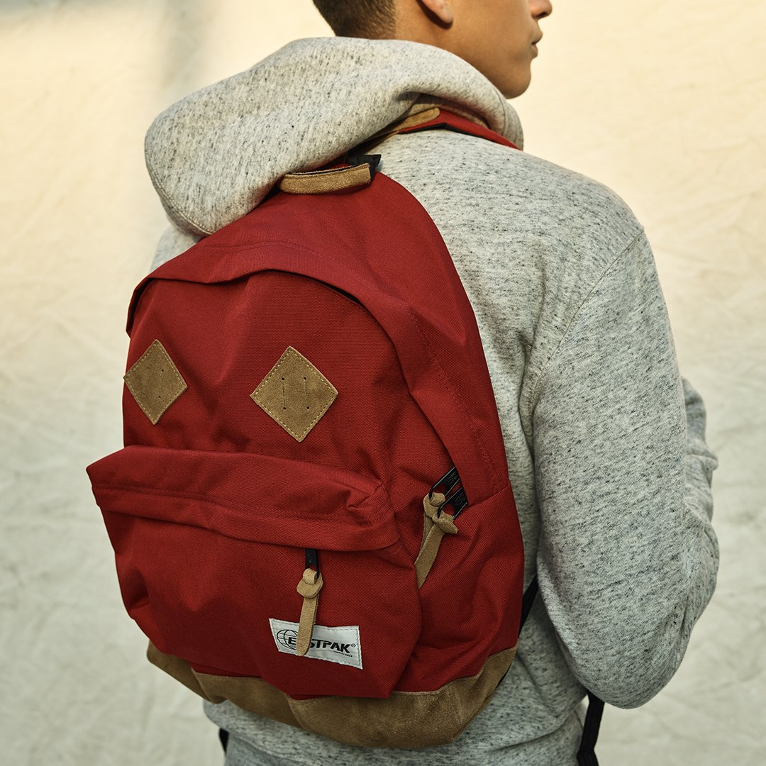 Eastpak is back: Check out our exclusive backpacks and the rest of our First-String  Picks. http://bit.ly/2GGqKAt pic.twitter.com/gL1eLiSIBa
