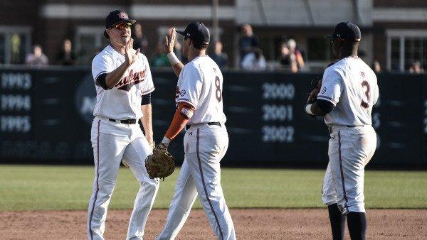 Baseball. No. 6 Auburn Begins Road Trip...