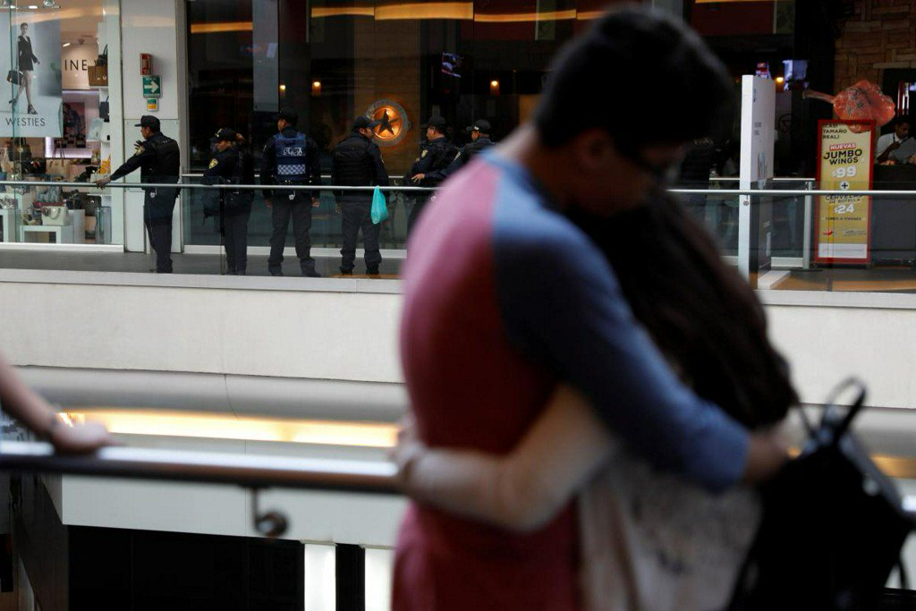 Spanish businessman killed in Mexico City, mall hit by shooting https://t.co/PRWOLCygDb https://t.co/VX15lYg5dk