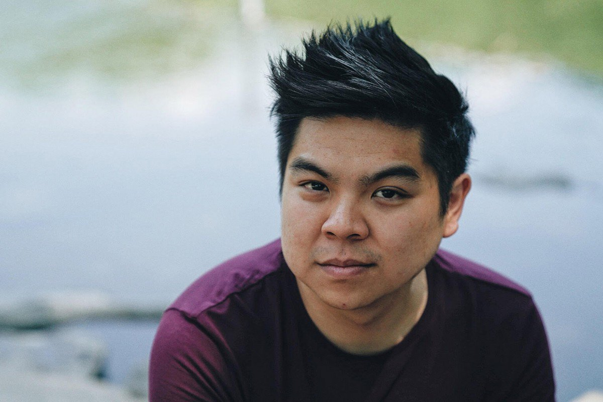 The English Department&#39;s Writers on Campus series presents Duy Doan, Yale Younger on Thursday, 3/22 at 5pm in O&#39;Leary 222. Duy is an award-winning Vietnamese-American poet and will be speaking to students about poetry on campus.  http:// bddy.me/2pplOZB  &nbsp;   #UMLEnglish <br>http://pic.twitter.com/E5EA9r2Bos