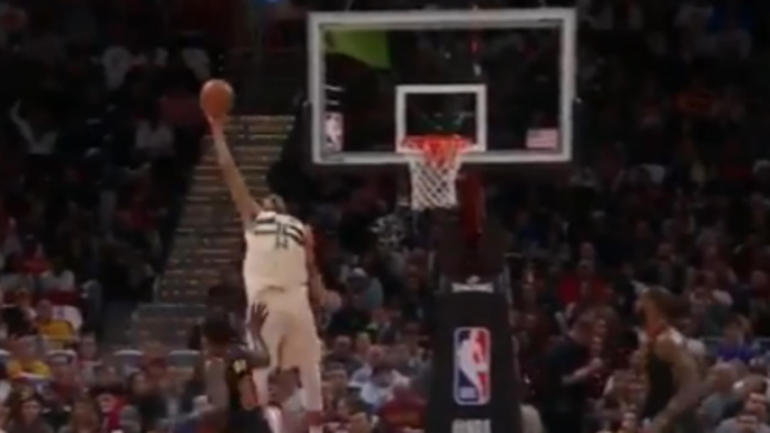 How on earth did Giannis Antetokounmpo c...