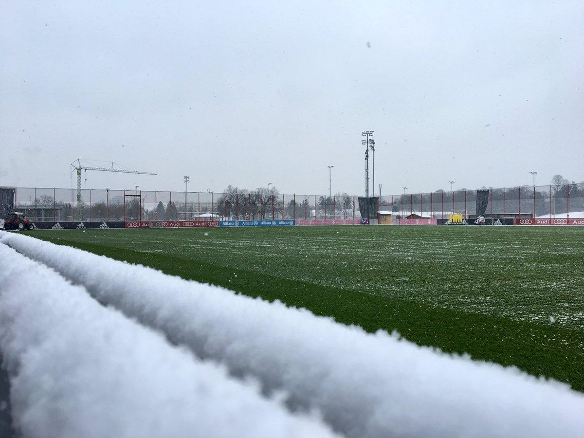 Good morning, #FCBayern fans! ❄️😱 #MiaSa...