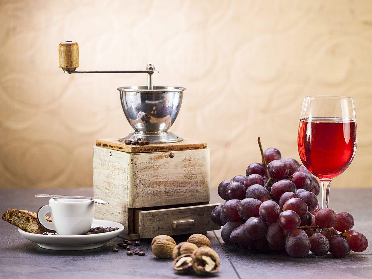 Il #vino infuso con il #caffè è americano o veneto? #USA #Veneto #Italia #California #Wine #Coffee Ecco di cosa si tratta >> https://goo.gl/1tpk4K  - Ukustom