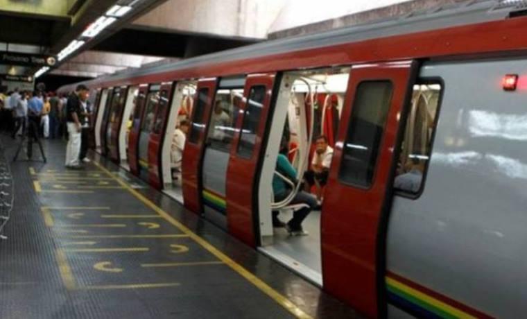 Dejaron abandonado a recién nacido dentro de vagón del Metro de Caracas https://t.co/emrTUsiWWU