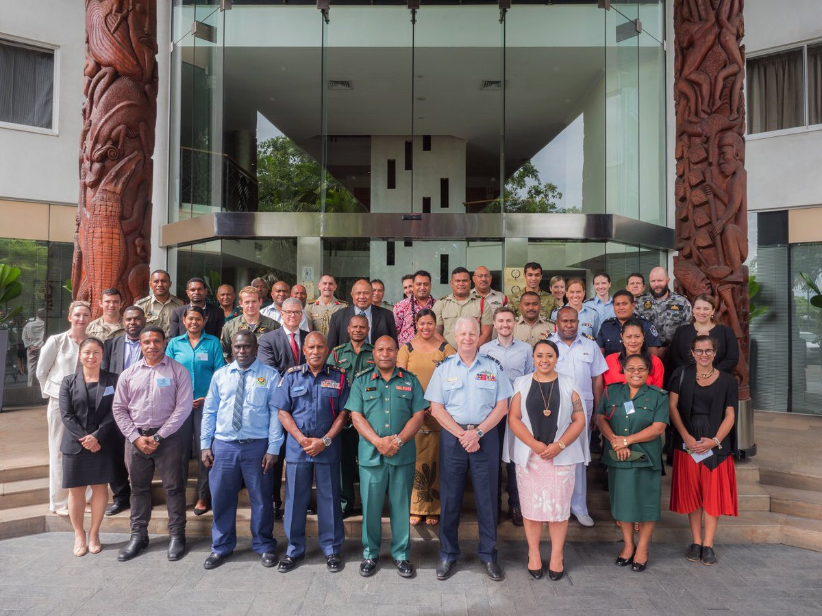 I was pleased to address the South Pacific's future leaders during my visit to #PNG today. These men & women will help shape our region over the coming decades #yourADF