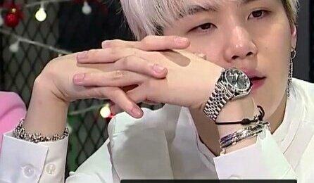 yoongis hands look even hotter when hes...