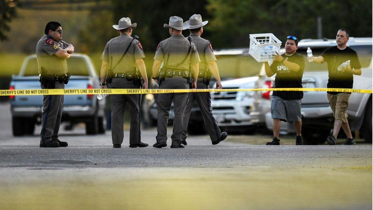 Polícia cerca escola secundária de Maryland após alerta de tiroteio https://t.co/zNfwVzcoXa