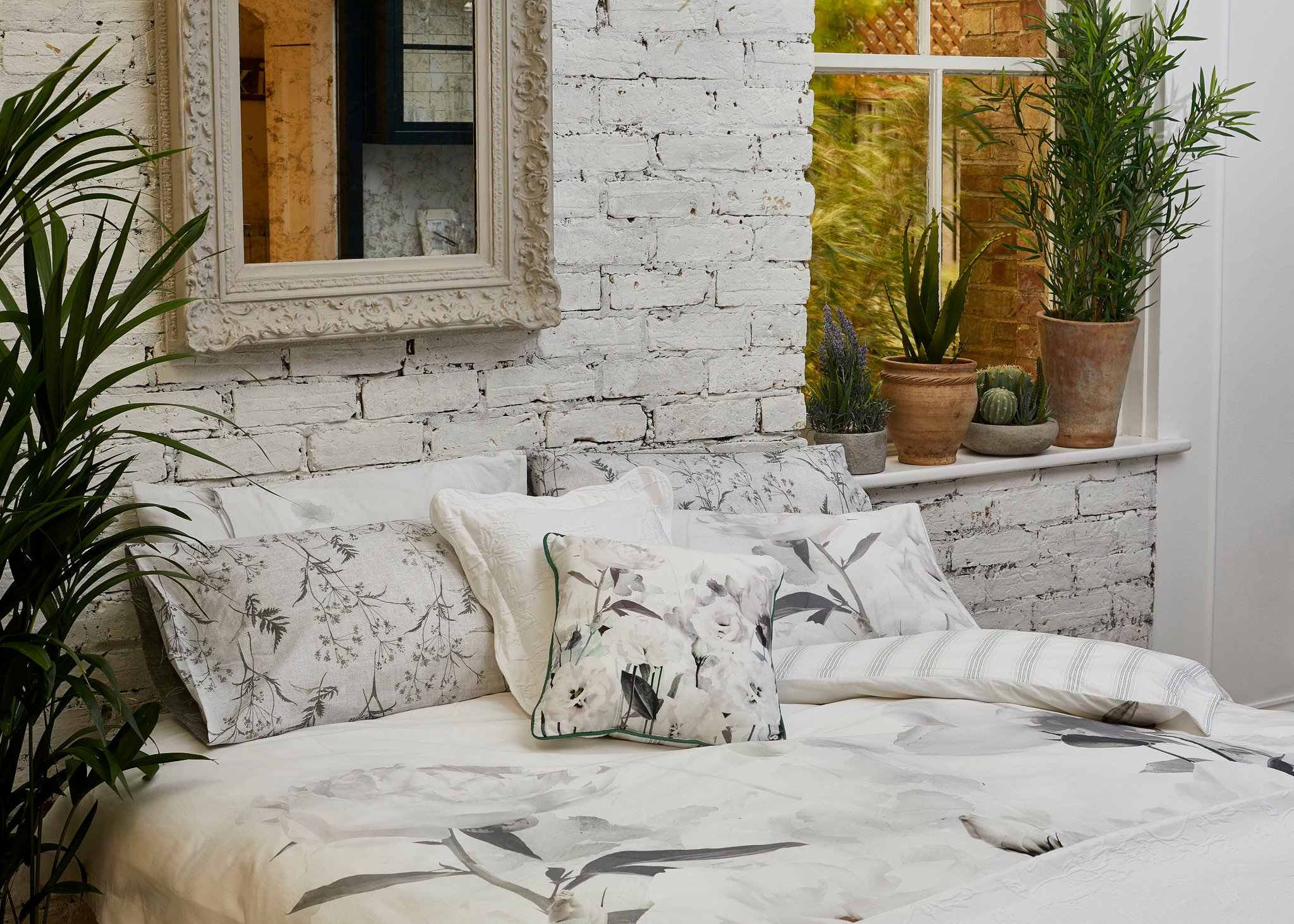 RT @Matalan: Up the style stakes in the bedroom with our fresh Botanicals trend > https://t.co/YFsFe9TO3s https://t.co/9o3GQLUs0L